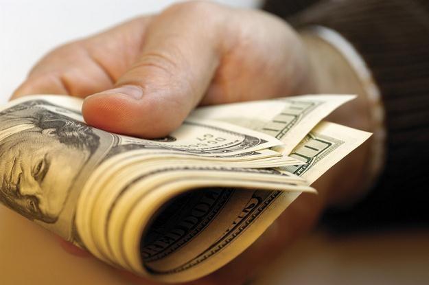 Lepiej unikać niekorzystnej transakcji kupna dolarów /© Panthermedia