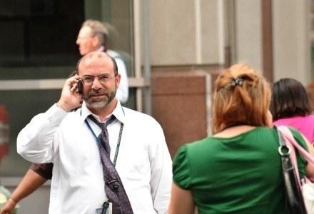 Lepsza jakość rozmów - wielu abonentów czeka właśnie na to, nie na nowe komórki /AFP