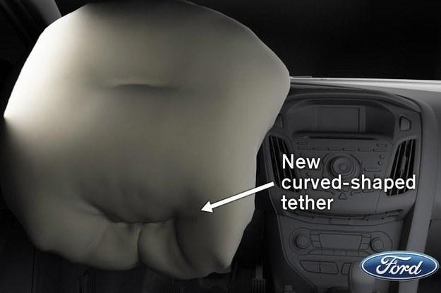 Lepsze wyprofilowanie poduszki w dolnej części ma zmniejszyć ryzyko urazu /