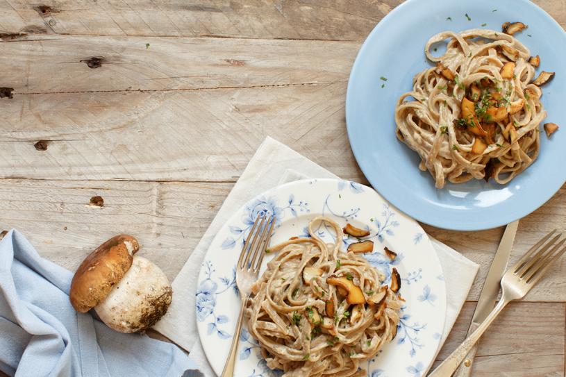Leśne grzyby to bogactwo smaków, którego zazdroszczą nam smakosze z całej Europy. Warto połączyć je z inspiracjami płynącymi z włoskiej kuchni /123RF/PICSEL