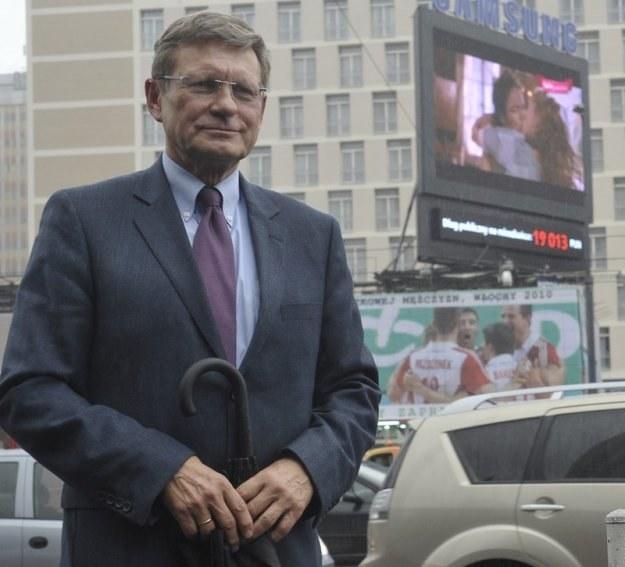 Leszek Balcerowicz i licznik długu publicznego. Fot. Witold Rozbicki /Reporter