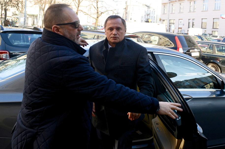 Leszek Czarnecki w drodze do prokuratury. Zdjęcie archiwalne / Jakub Kamiński    /PAP