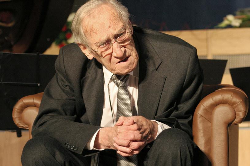 Leszek Kołakowski w 2006 roku na uroczystości wręczenia Medalu świętego Jerzego /Danuta Wegiel/FOTONOVA /East News