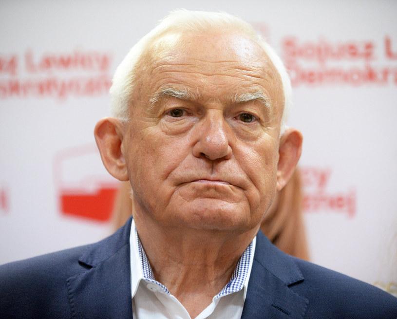 Leszek Miller krytycznie odniósł się do działań władz w Zduńskiej Woli /Jan Bielecki /East News