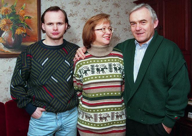 Leszek Miller z żoną i synem (1995 r.)