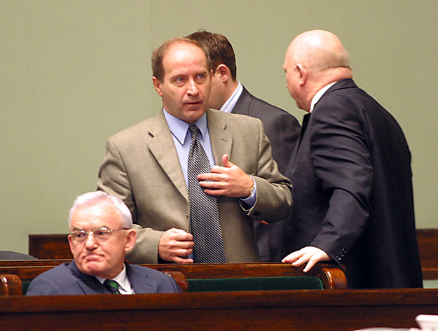 Leszek Miller, Zbigniew Siemiątkowski, Józef Oleksy, Sejm 2004 /Przemek Wierzchowski /PAP