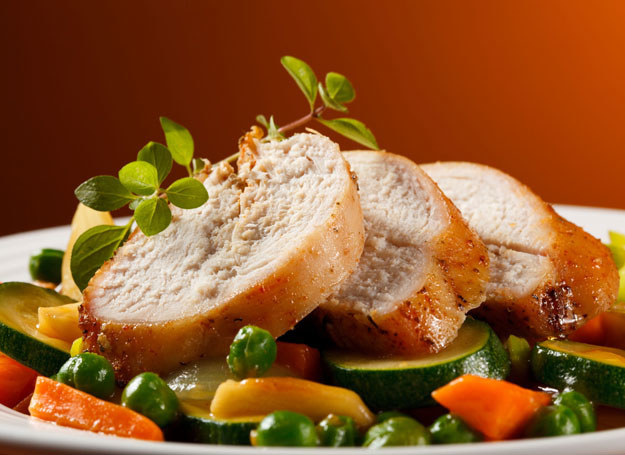 Letnia dieta odkwaszająca /123RF/PICSEL