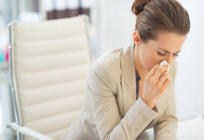 Leukopenia daje objawy podobne do przeziębienia /123/RF PICSEL
