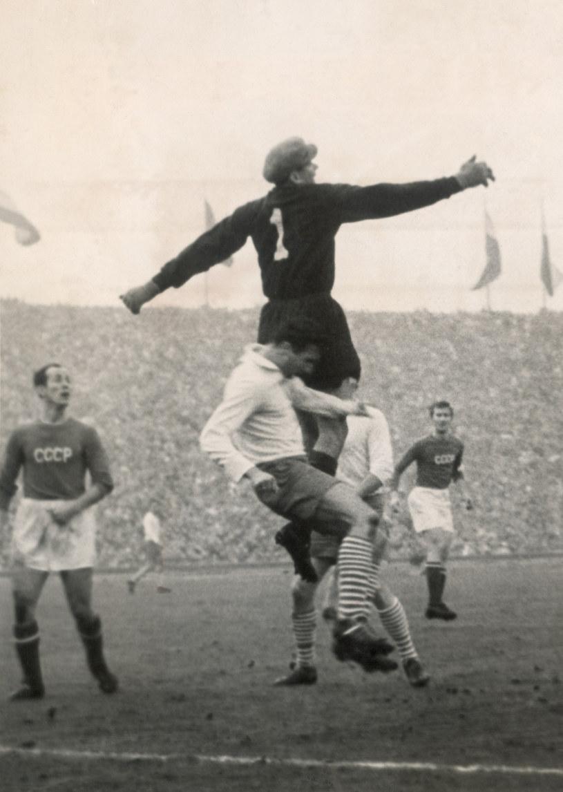 Lew Jaszyn, jedyny bramkarz, który puścił na mundialu gola olimpijskiego /Newspix
