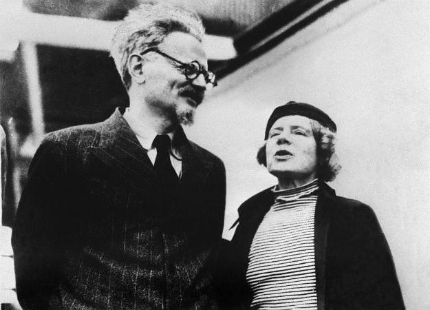 Lew Trocki z żoną /AFP