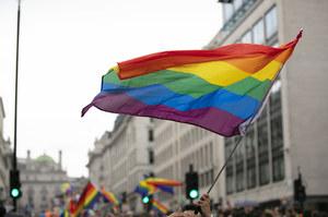 """Lewica chce """"strefy wolności"""" dla LGBT. Konfederacja: To nie jest potrzebne"""