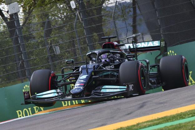 Lewis Hamilton to jeden z najbardziej utytułowanych kierowców F1 /DAVIDE GENNARI /PAP/EPA