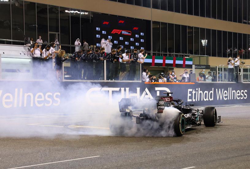 Lewis Hamilton zostaje w Mercedesie /Getty Images