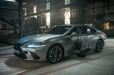 0007PUVZN5SJC4JC-C307 Lexus ES w reklamie stworzonej przez sztuczną inteligencję