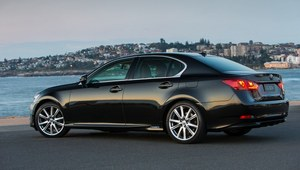 Lexus GS 300h od 208 500 zł