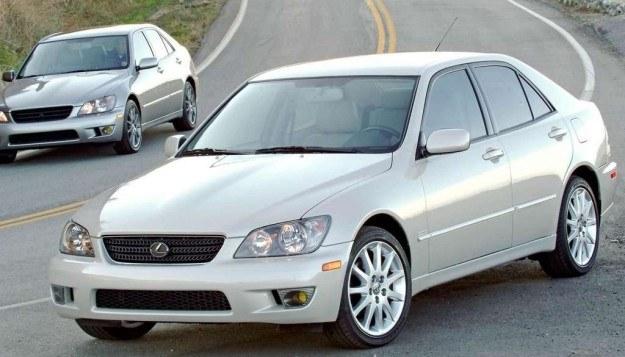 Lexus IS /