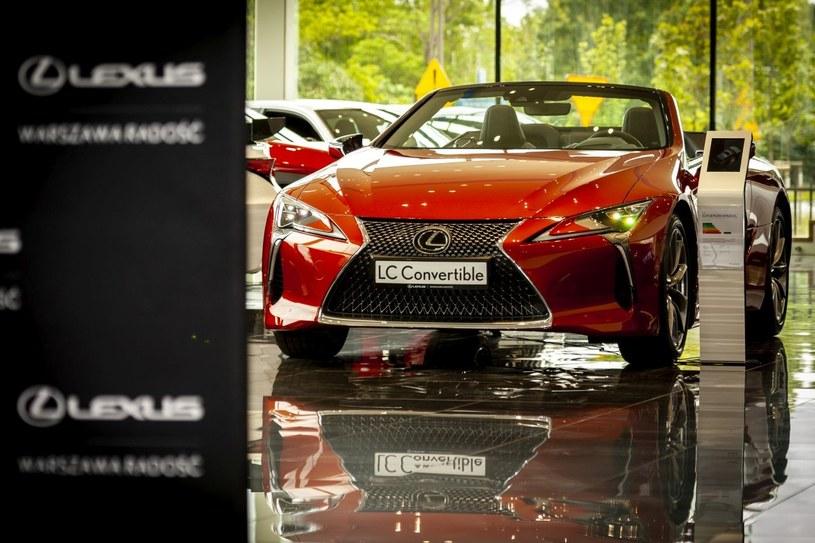 Lexus LC Convertible /