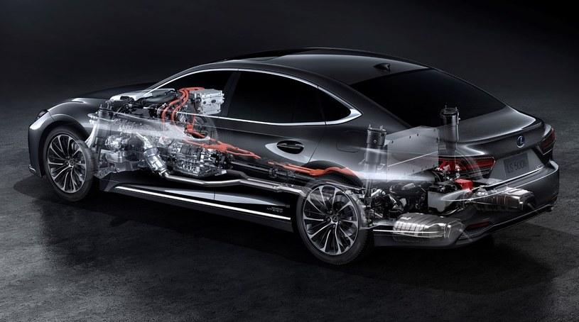 Lexus LS 500h /