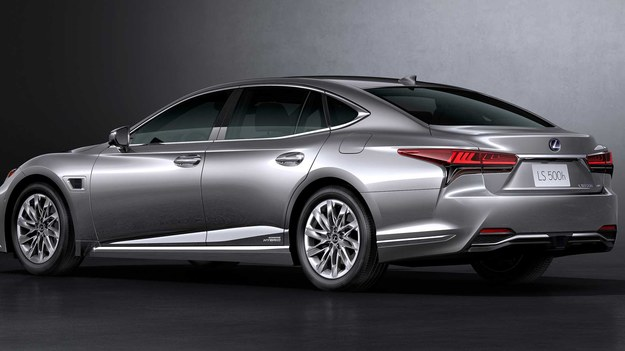 Lexus LS po liftingu /