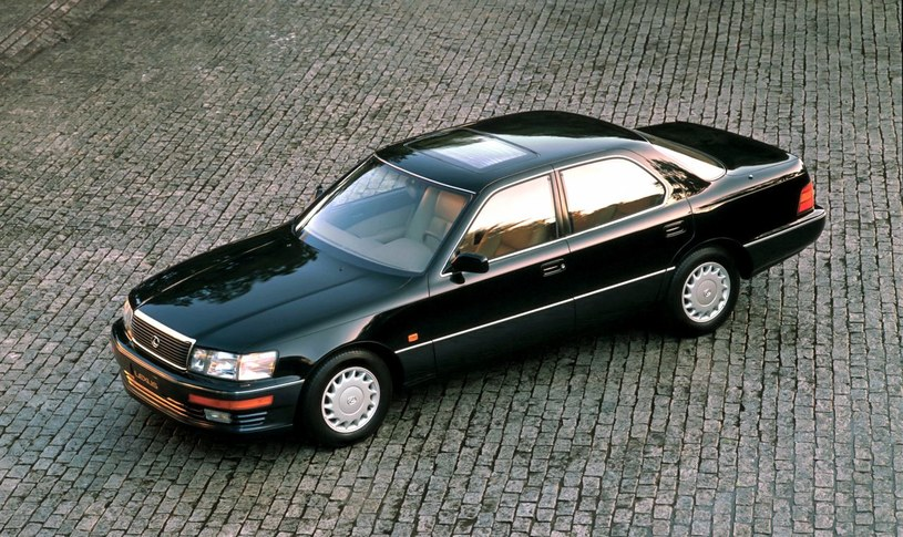 Lexus LS /