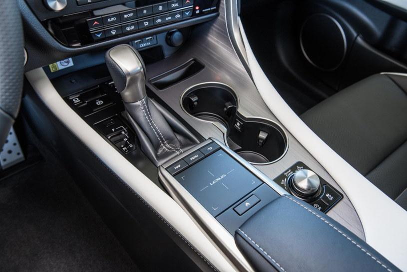Lexus RX 300 /