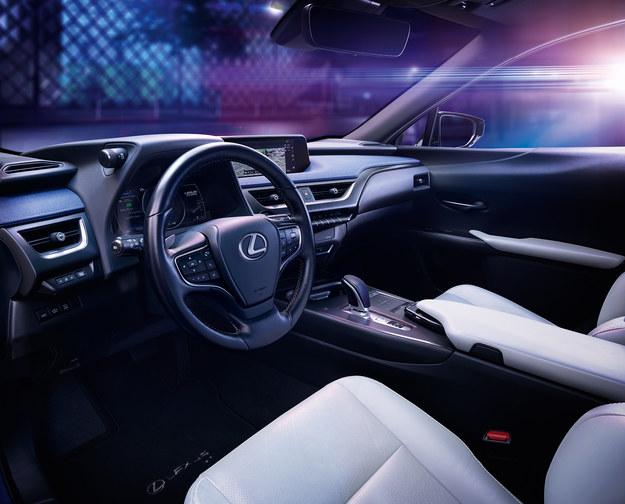 Lexus UX 300e /Lexus