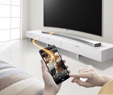 LG Music Flow HS8 - pierwszy zakrzywiony soundbar LG