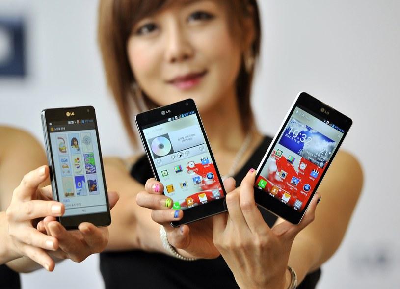 LG usiłuje konkurować z Samsungiem na rynku urządzeń mobilnych, ale startuje z przegranej pozycji /AFP