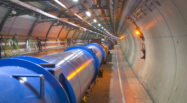LHC w tym roku już nie będzie zderzał protonów /materiały prasowe