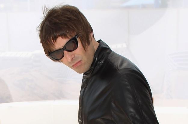 "Liam Gallagher po raz kolejny ""pozdrawia"" brata fot. Dave Hogan /Getty Images/Flash Press Media"