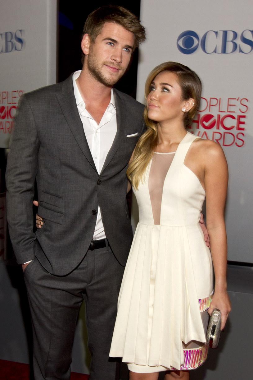 Liam Hemsworth i Miley Cyrus /Christopher Polk /Getty Images
