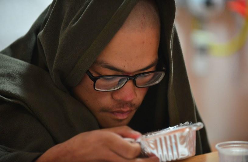 Liang Sheng-yue przetrwał 47 dni w Himalajach. /PRAKASH MATHEMA /AFP