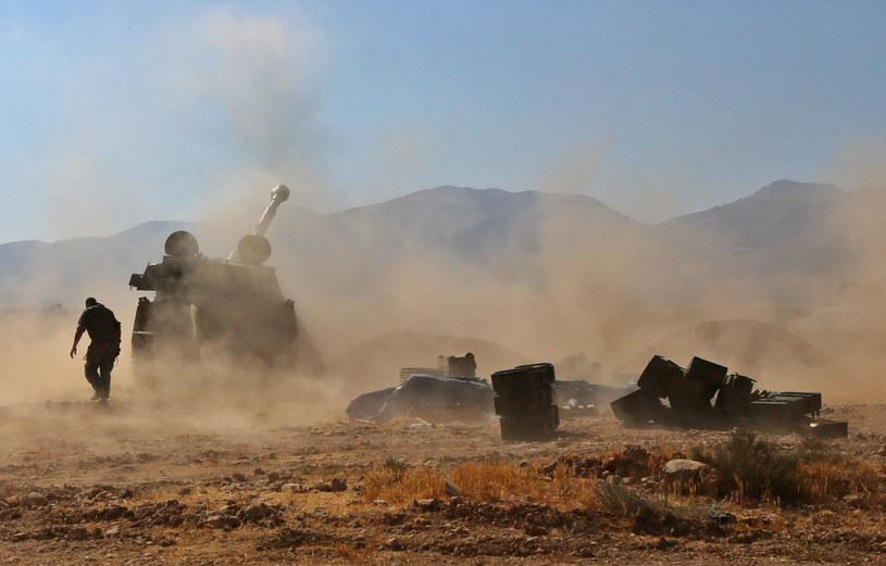 Libańska armia ogłosiła zawieszenie broni w ofensywie przeciwko IS /YOUSSEF KARWASHAN /AFP
