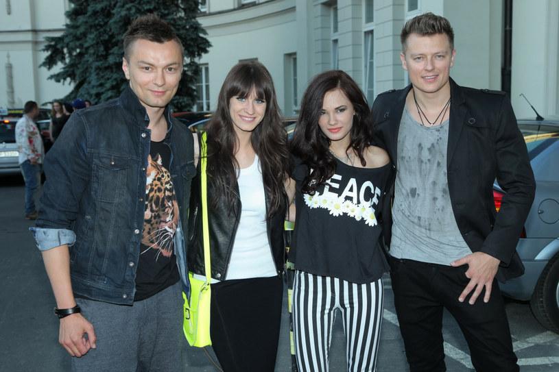 Liber, Sylwia Grzeszczak, Natalia Szroeder i Rafał Brzozowski w 2013 roku /VIPHOTO /East News