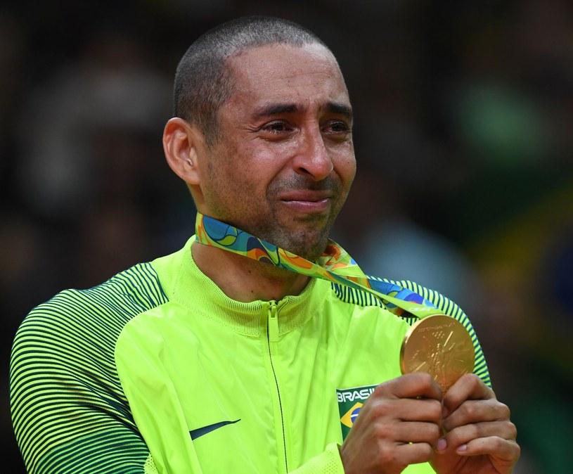 """Libero """"Canarinhos"""" nie krył wzruszenia po odebraniu złotego medalu olimpijskiego /AFP"""
