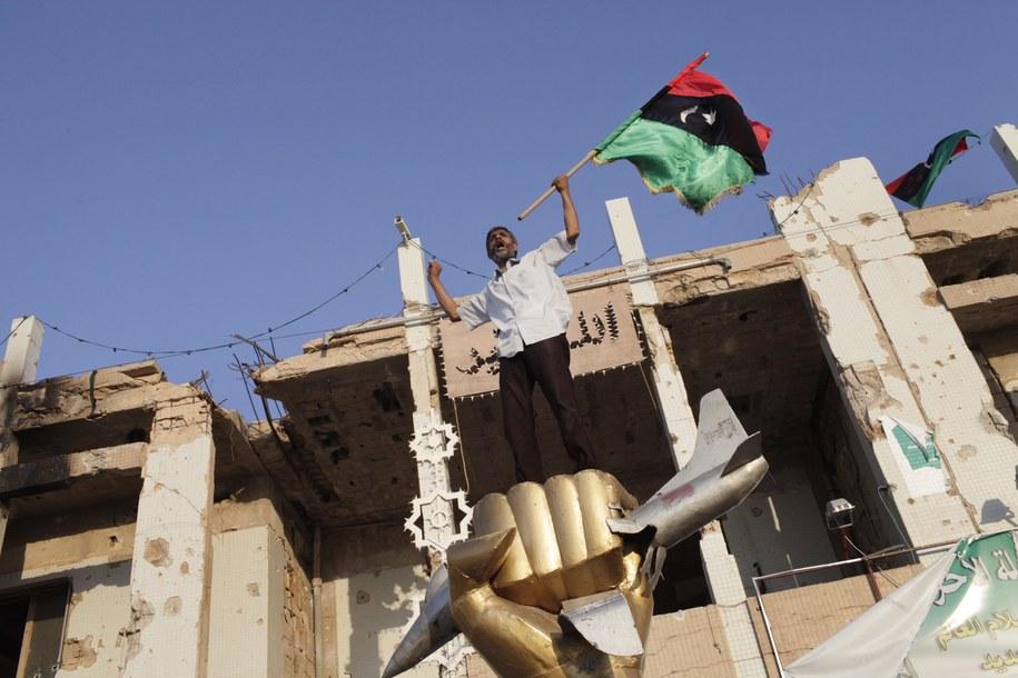 Libia jest podzielona między rywalizujące ze sobą frakcje polityczne i wojskowe /Marco Salustro /PAP/EPA