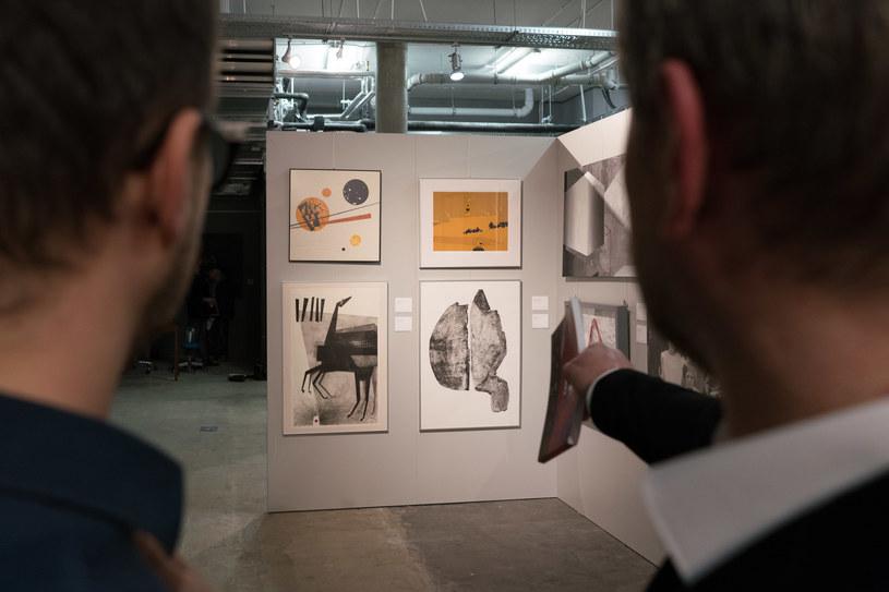 Licytacja ponad stu dzieł polskich artystów odbyła się w Domu Aukcyjnym Desa Unicum w Warszawie /Szlachetna Paczka /