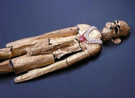 Licząca ponad 5 tys. 200 lat złota figura z Tell el-Farcha /MWMedia