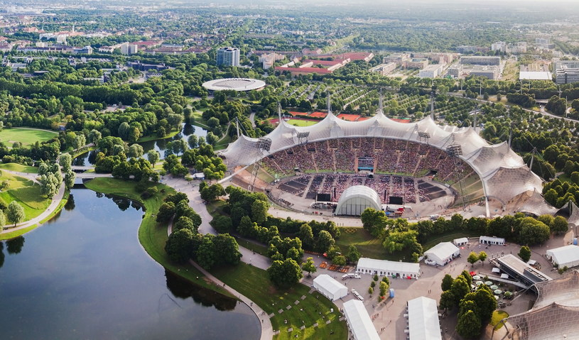 Liczące sobie prawie pięćdziesiąt lat Centrum Olimpijskie nadal zachwyca swoim wyglądem /123RF/PICSEL