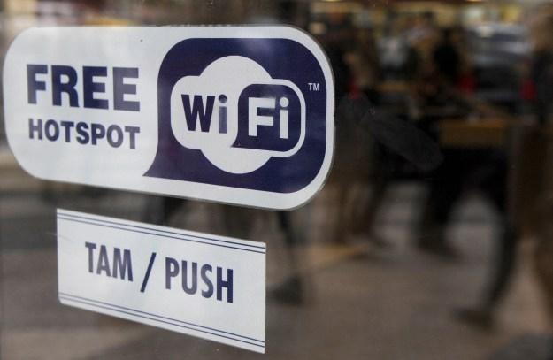 Liczba hotspotów wzrasta dzięki tabletom i smartfonom /AFP