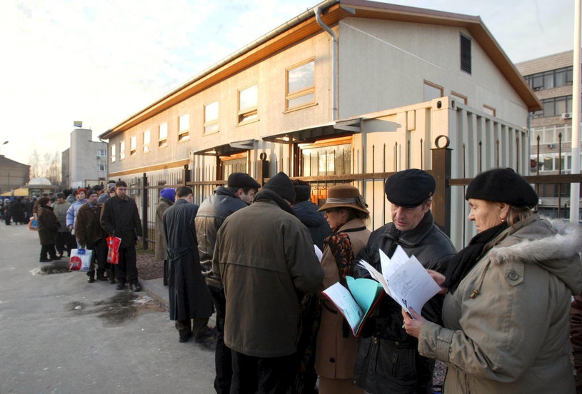 Liczba Ukraińców chcących wjechać do Polski wciąż wzrasta /AFP