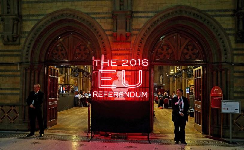 Liczenie głosów w Manchesterze /PAP/EPA