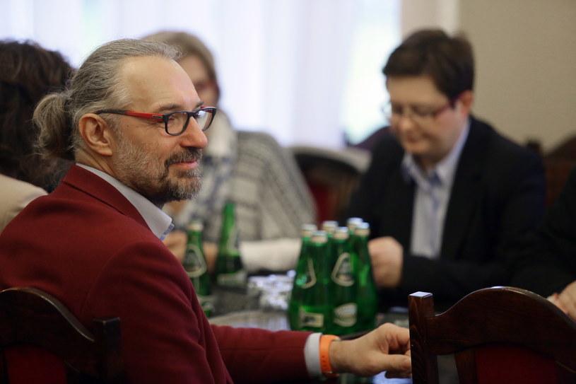 """Lider KOD Mateusz Kijowski podczas debaty pod nazwą: Nie dla """"dobrej zmiany"""" /Tomasz Gzell /PAP"""