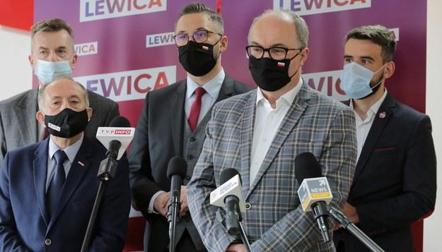 Lider Nowej Lewicy Włodzimierz Czarzasty oraz politycy, samorządowcy i działacze Lewicy /Tomasz Waszczuk /PAP