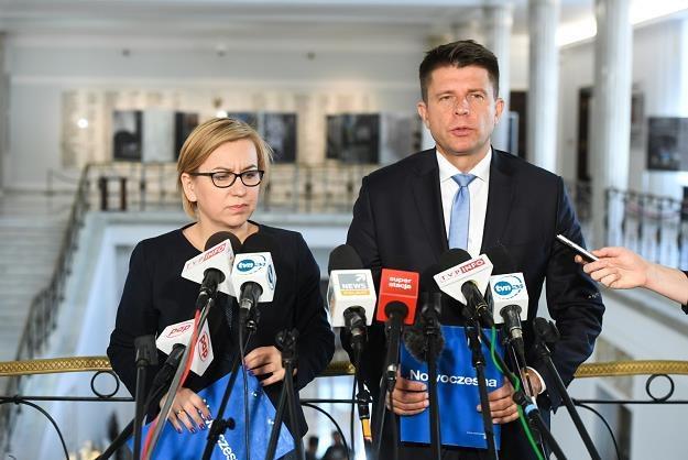 Lider Nowoczesnej Ryszard Petru (P) i rzecznik partii Paulina Hennig-Kloska (L) /PAP