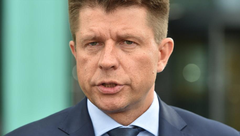 Lider Nowoczesnej Ryszard Petru wezwał do solidarności instytucje międzynarodowe. /Jacek Bednarczyk /PAP