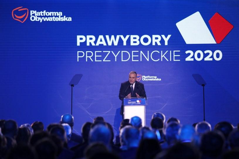 Lider PO Grzegorz Schetyna przemawia podczas konwencji krajowej PO / Leszek Szymański    /PAP