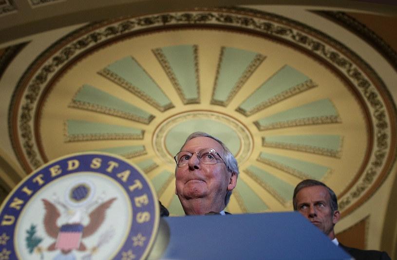 Lider senackiej większości Mitch McConnell /AFP