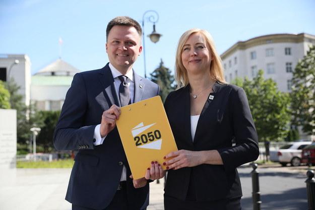 Lider Stowarzyszenia Polska 2050 Szymon Hołownia oraz posłanka na Sejm RP Hanna Gill-Piątek /Leszek Szymański /PAP