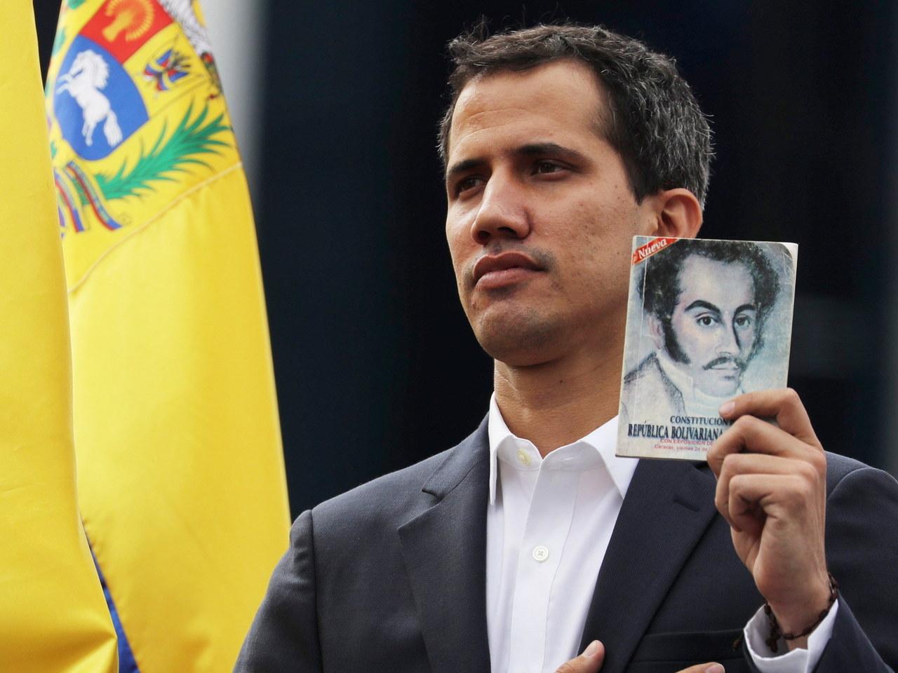 Lider wenezuelskiej opozycji ogłosił się tymczasowym prezydentem